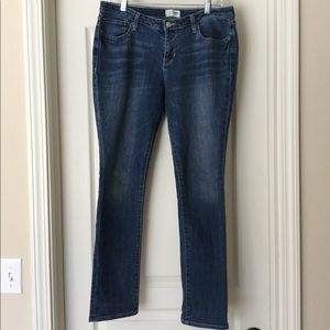 Old Navy Size 6 Straight Leg Jean